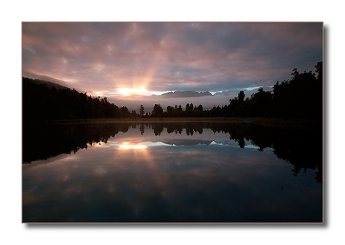 newzealand reflection sunrise mirrorlake lakematheson southwestland