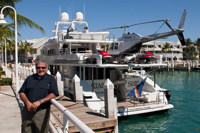 Yacht Con Elicottero Prezzo : Yacht mit helikopter con elicottero flickr