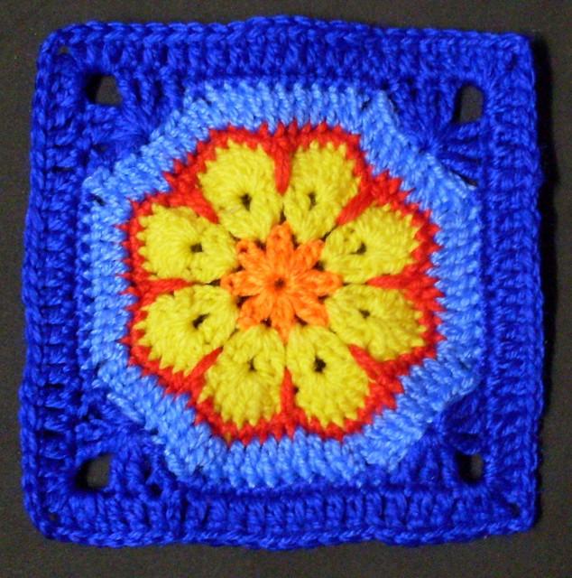 Crochet Granny Square African Flower Pattern : 4453969558_8218bb0dbd_z.jpg?zz=1