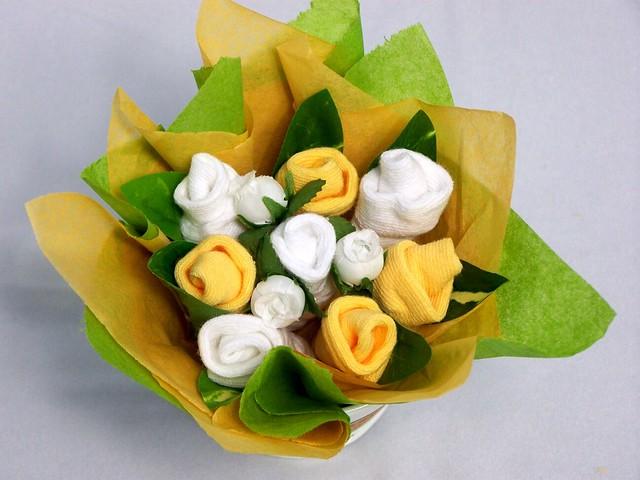 baby sock bouquet neutral