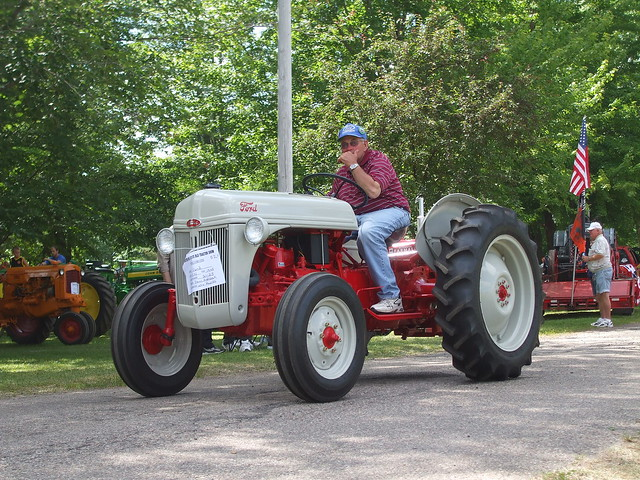 1948 Ford 9n Tractor : N ford tractor  price release