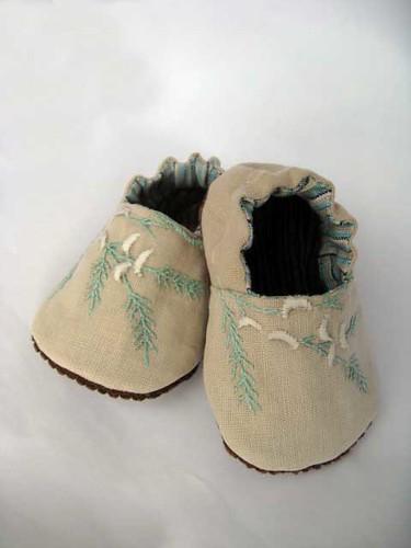 Linen baby shoe