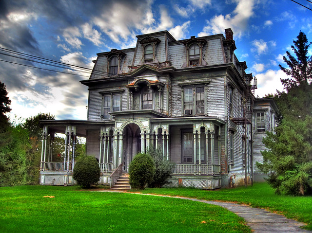 Old Abandoned Mansions for Sale http://www.flickr.com/photos/22952009@N08/4103016681/