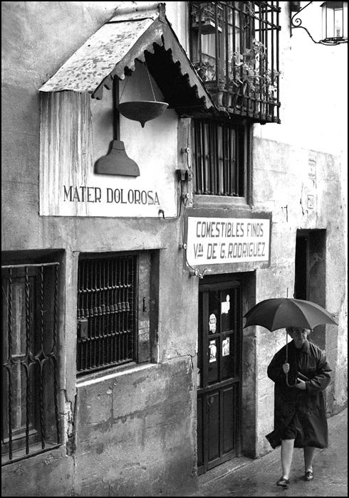 Calle Alfileritos de Toledo en 1967. Fotografía de John Fyfe