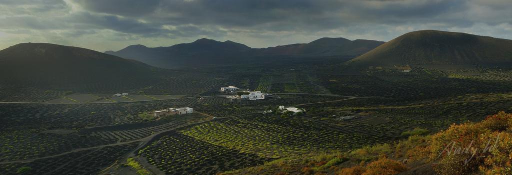 Panorama de los viñedos de La Geria - Lanzarote, Islas Canarias