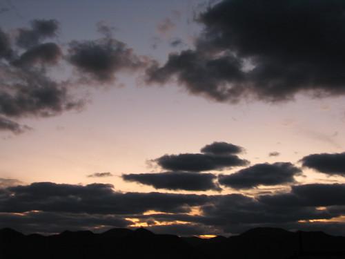 light sunset cloud mountain japan montagne landscape dusk lumière 日本 nuage paysage 雲 crépuscule 山 japon 風景 couchédesoleil 光 夕焼け hagi 夕方 景色 萩