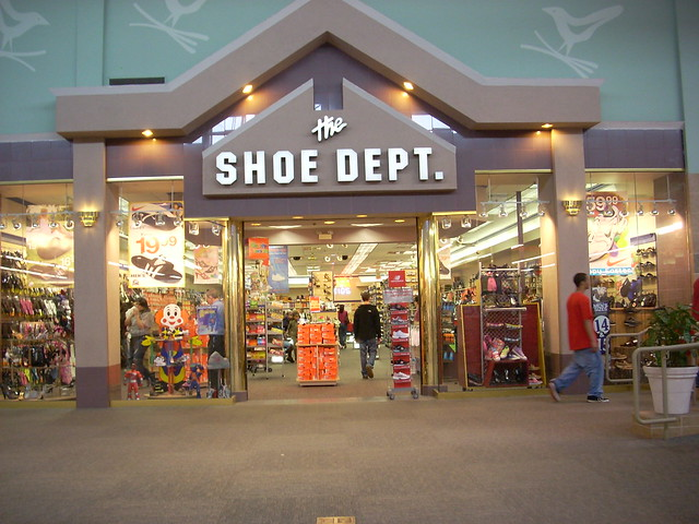 Edge Water Mall Shoe Stores