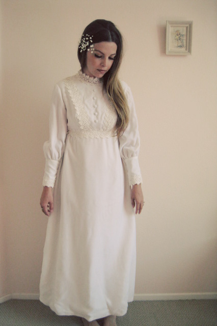 lovely 1960s wedding dress