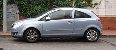 automobile(1.0), opel(1.0), sport utility vehicle(1.0), wheel(1.0), supermini(1.0), vehicle(1.0), city car(1.0), compact car(1.0), land vehicle(1.0), hatchback(1.0),