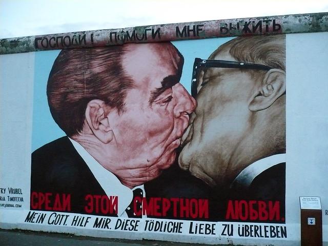 küsschen.