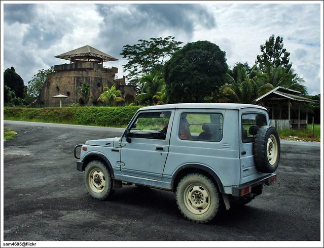 4x4 Suzuki SJ410 - Nunuk Ragang