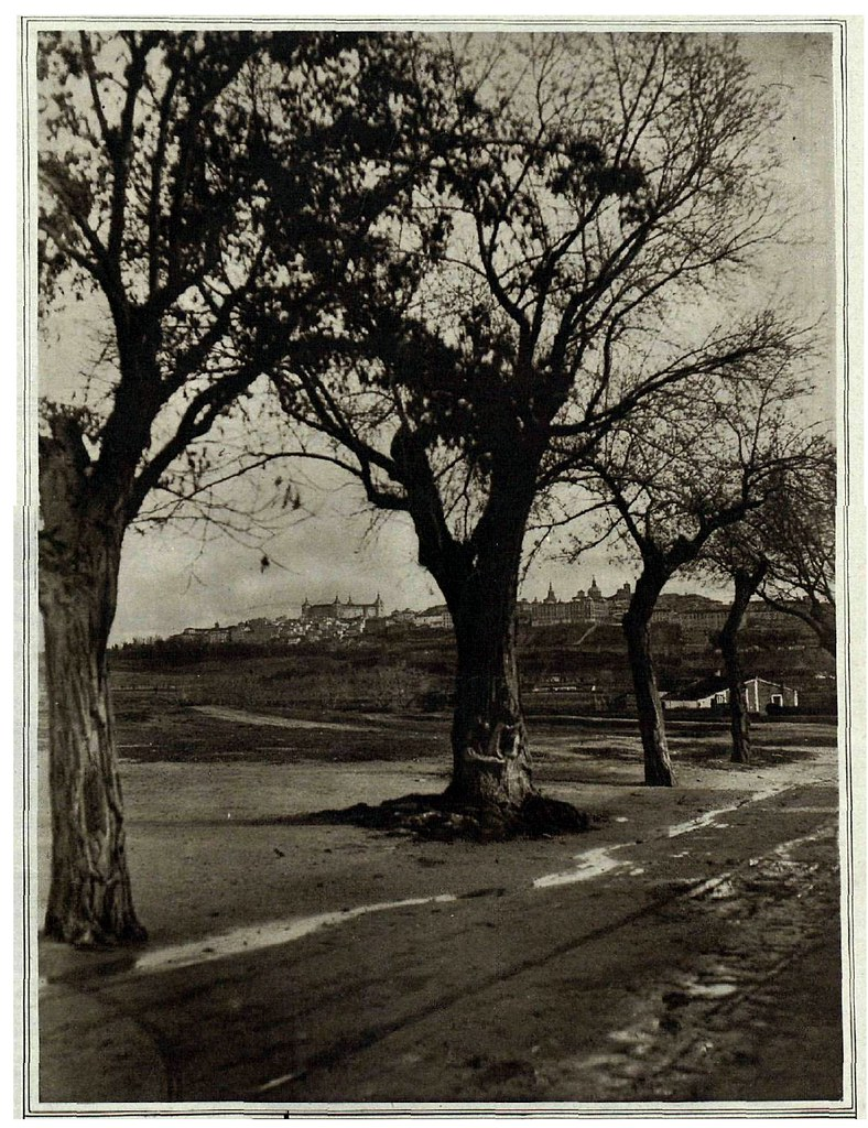Vista de Toledo desde la Vega Baja a inicios del siglo XX. Revista La Esfera