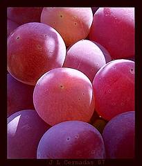 959-Uvas moradas