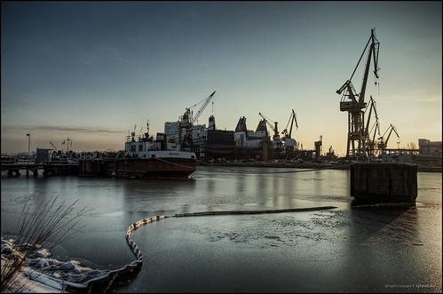 morning ice sunrise industrial poland polska frosty cranes shipyard hdr gdansk danzig gdańsk photomatix remontowa