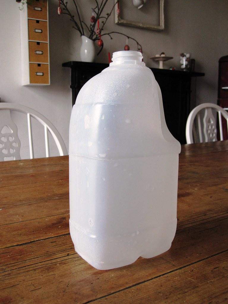 CRAFT-WERK: Plastic Milkbottle Recycling