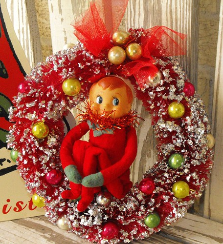 Knee hugger elf vintage wreath by thegraphicaddict