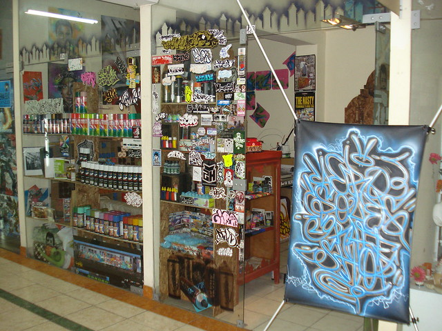 "AEROSOLES GRAFFITI SHOP ""lima-peru"" 