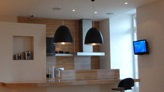 Kitchen with in ceiling speakers and wall mounted tv for Small wall mounted tv for kitchen