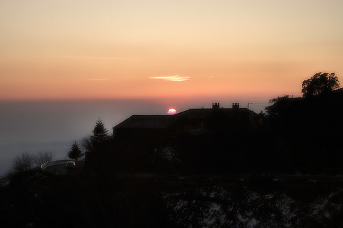 sunset casa catalonia catalunya posta montseny cotxe