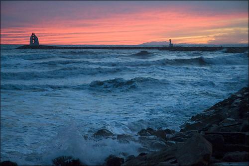 pink sunset sea sky mer lighthouse france rose purple violet wave ciel vague phare coucherdesoleil languedocroussillon hérault lagrandemotte