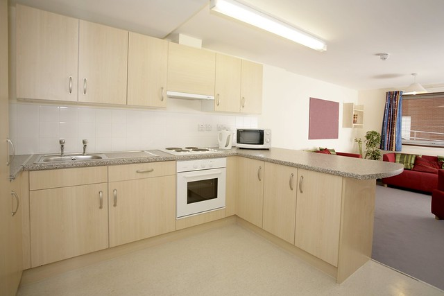 Waterside Court Kitchen 2