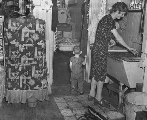 Tenement Kitchen In The Chelsea Section Of Manhattan Augu