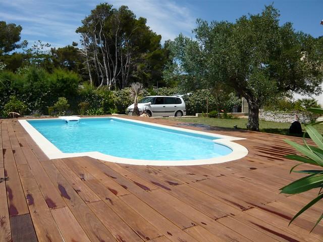 Terrasse Deck piscine bois exotique ipé (Carry le rouet
