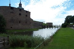 chã¢teau, building, estate, canal, fortification, waterway, moat,