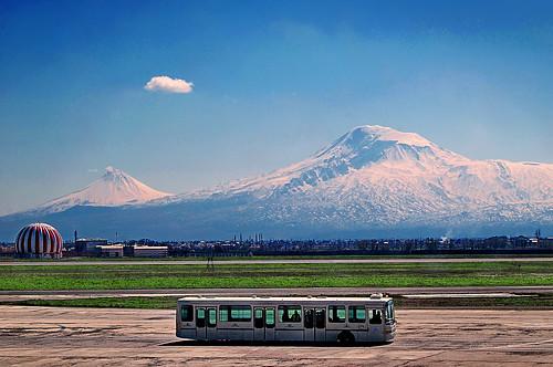 mountain bus armenia ararat haiastan somxeti ararati ereven ereveani