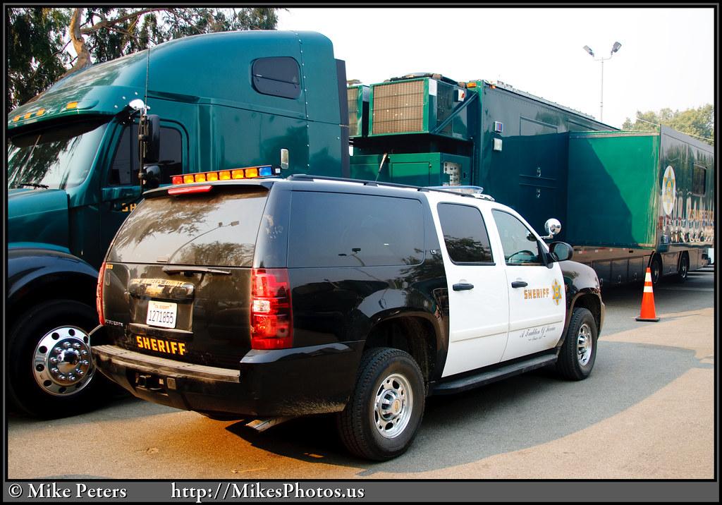 20090830-StationFire-LASD-SUV-001