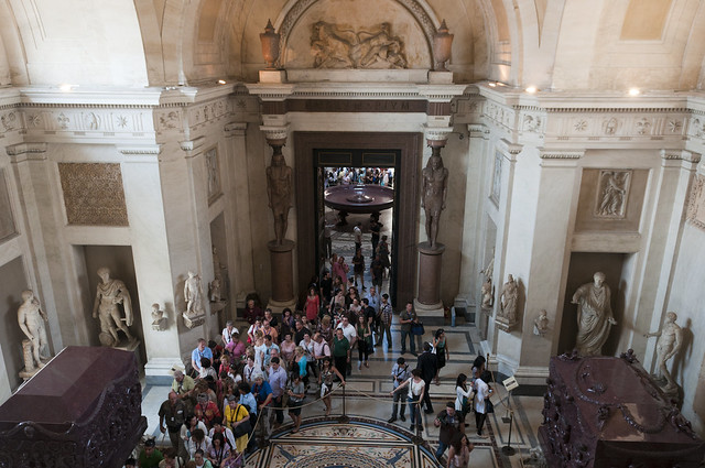 Crowds in Vatican Museum