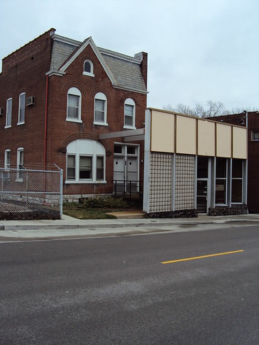 House on Main Street with Side-Carrage Storefront - Belleville Illinois