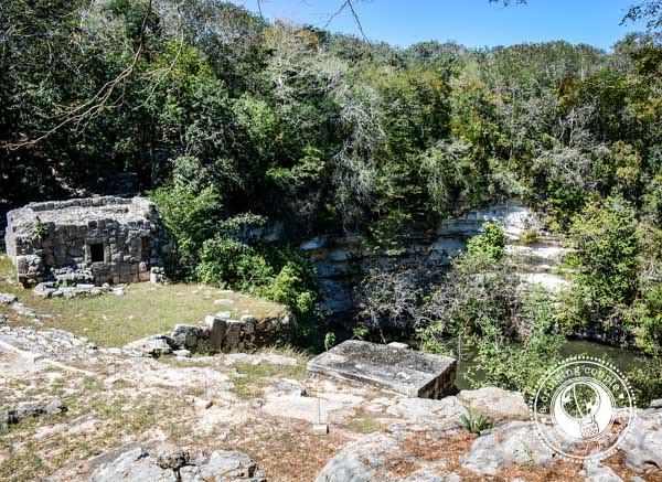 4 Must-See Mayan Ruins in the Yucatan Peninsula  - Chitchen Itza Cenote Sagrado