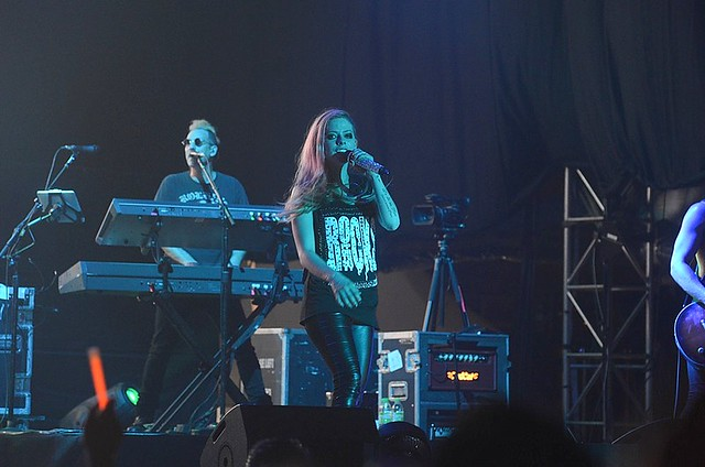 avril lavigne in concert - Malaysia - Rebecca Saw blog-003