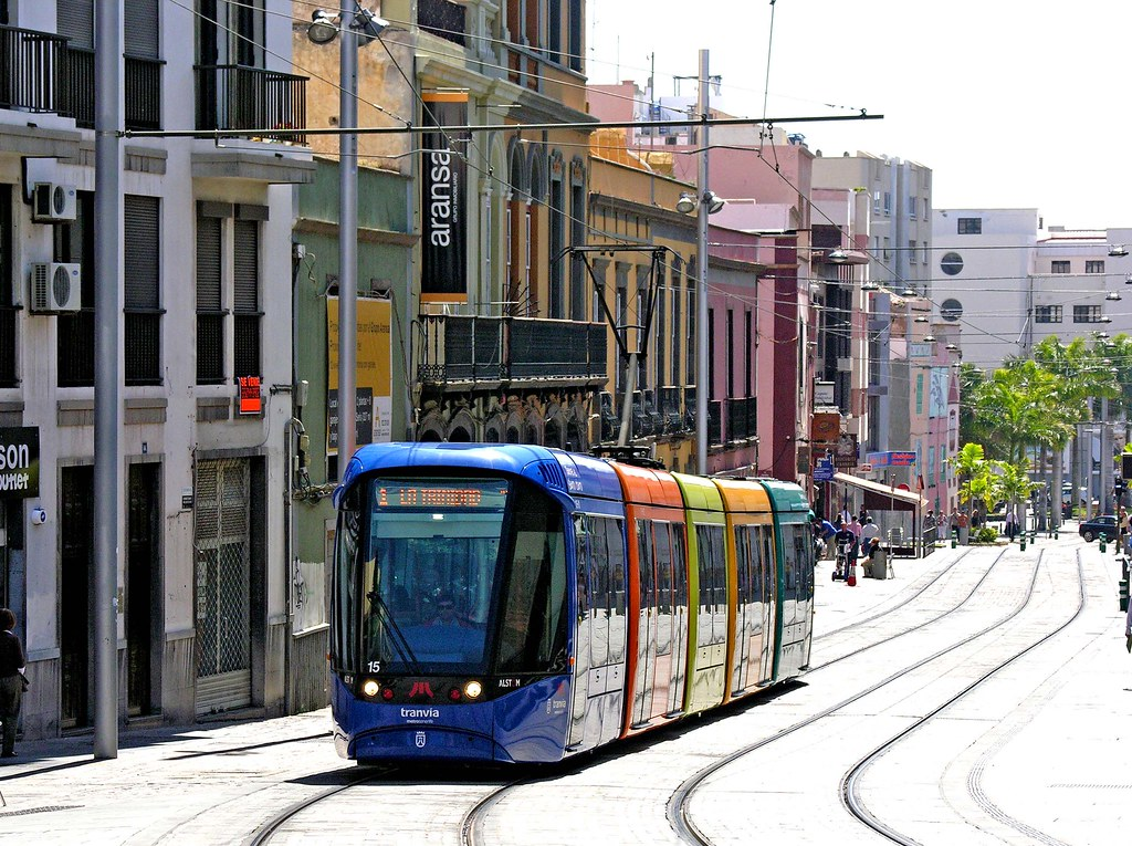 Tranvia, Santa Cruz de Tenerife: Car 15 outbound on Calle de Imeldo Seris