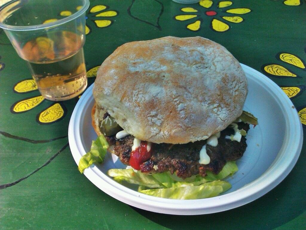 Egy jó balkán burger :P | Flickr - Photo Sharing!
