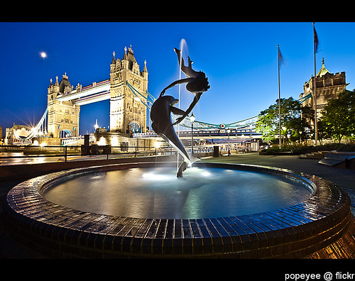 London - Girl with a Dolphin & Tower Bridge