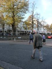 Looking for the Pantiles  093