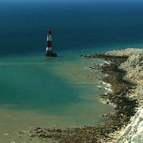 sea cliff lighthouse sussex coast nationalpark eastbourne coastline valerie southdowns beachyhead canoneos400d canonef70300mmis pearceval november09