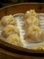 shumai(0.0), dim sum food(1.0), nikuman(1.0), mongolian food(1.0), cha siu bao(1.0), xiaolongbao(1.0), mandu(1.0), baozi(1.0), momo(1.0), wonton(1.0), food(1.0), dish(1.0), varenyky(1.0), dumpling(1.0), jiaozi(1.0), buuz(1.0), khinkali(1.0), cuisine(1.0),