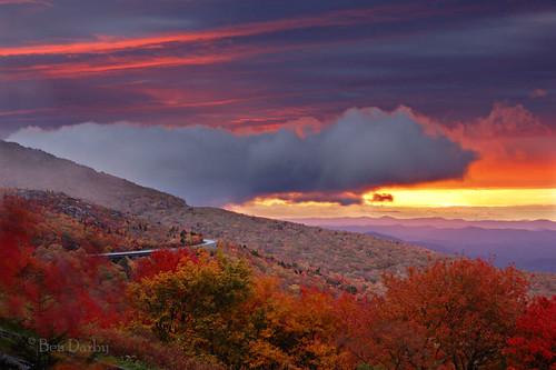 sunrise d70s northcarolina explore blueridgeparkway grandfathermountain linncove
