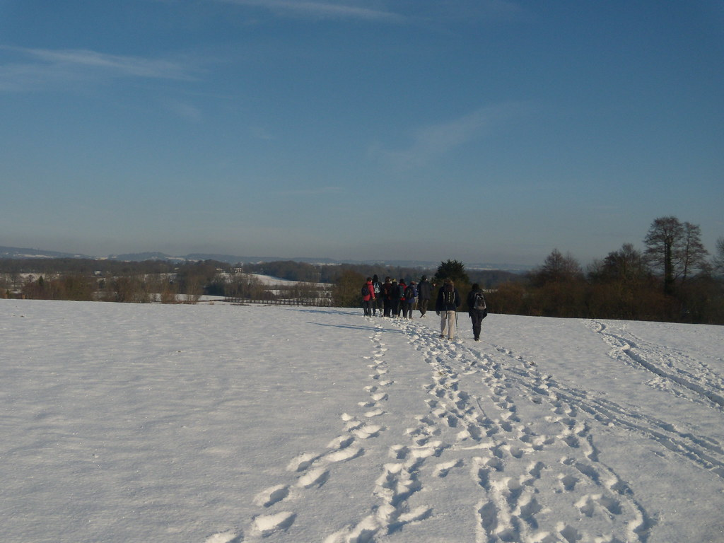 Expanse of snow Hever to Leigh