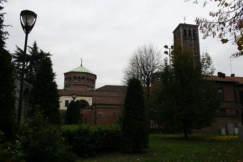 20091113 Milano 05 Piazza Sant' Ambrogio 21