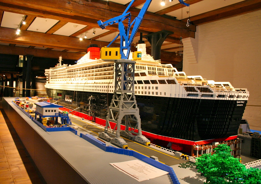 LEGO Ship by Andrey Belenko, on Flickr