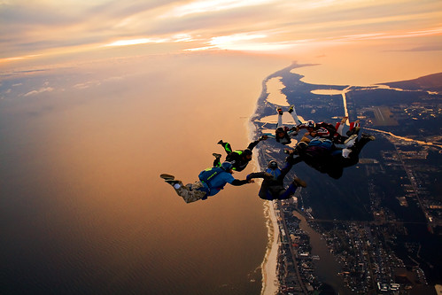 Skydiving Nov 2009, 7 way sunset load over the Florabama