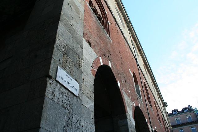 20091112 Milano 20 Piazza dei Mercanti 18