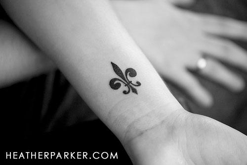 fleur de lis tattoo i want explore lindseyjean 39 s photos on flickr photo sharing. Black Bedroom Furniture Sets. Home Design Ideas