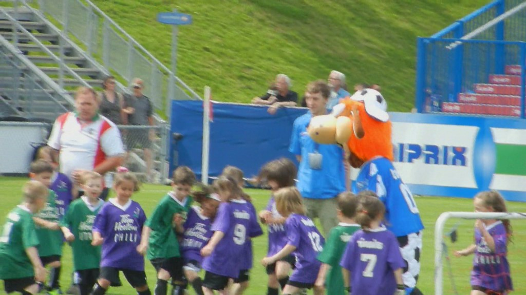 Tykes Soccer With Mascot VIDEO Half-time Impact Montreal VS FC ...
