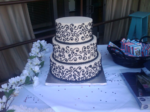 3 tier Black and White S Swirls wedding cake