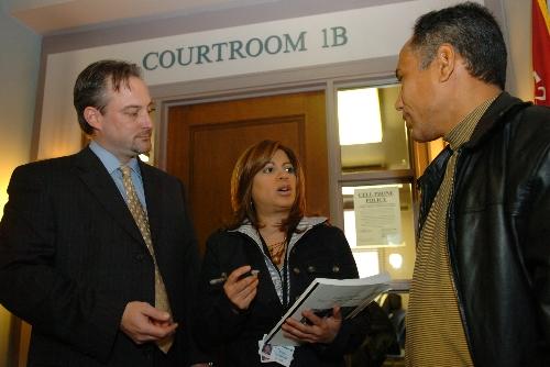 how to become a court translator